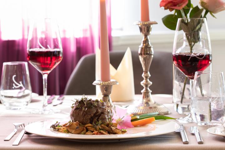 Rinderfilet mit Rotwein im Restaurant